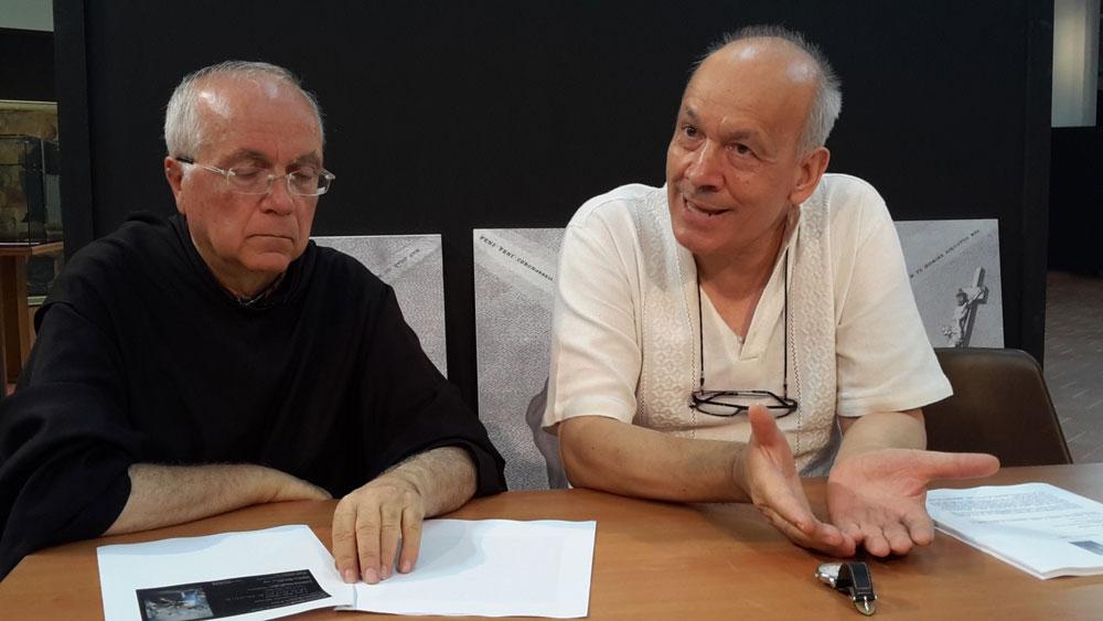 Da sx Padre Gregorio Colatorti Correttore Provinciale Frate Minimi e Mons. Pietro Amato Direttore Museo Storico Vaticano
