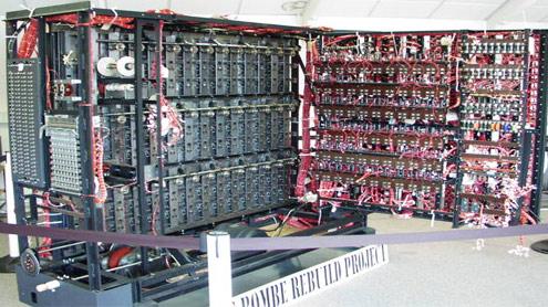 Una ricostruzione di 'British Bombe' il computer usato per decriptare i messaggi di Enigma - Bletchley Park museum (fonte Tom Yates)